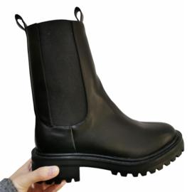 No laces boots