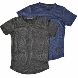Black or navy shiny tee