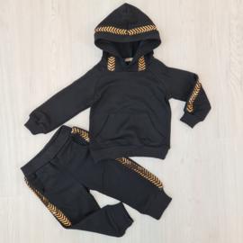 Black & gold set