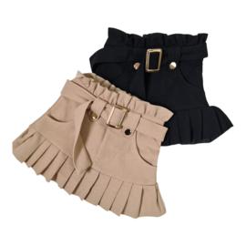 Something pleated skirt