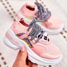 Shiny & leopard pink sneaker