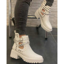 Silver studs boots - white