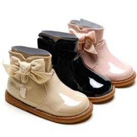 Shiny bow boots