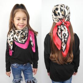 My lovely leopard scarf