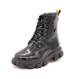 Chunky shiny boots