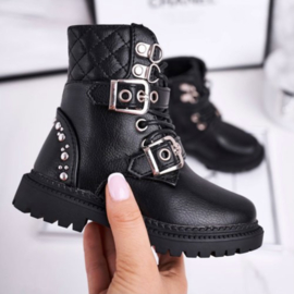 A little quilted basic boots