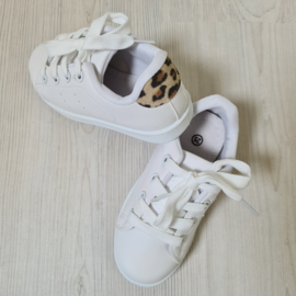 Leopard going out sneaker