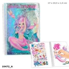 Fantasy Model kleurboek MERMAID