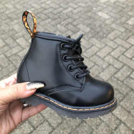 Mini ultimate boots