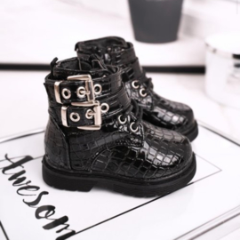 Mini so close croco boots