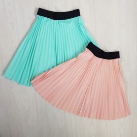 Mint & Pink pleated skirt