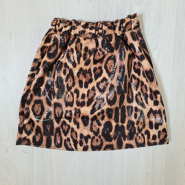 Shiny leopard skirt