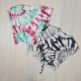 Tie dye & knotted top