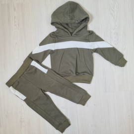 Army green stripe set