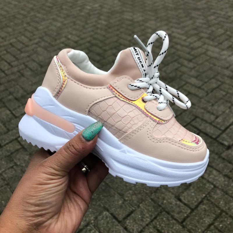 Pink croco sneakers | Sneakers | Hippe Beebjes