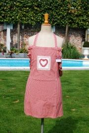 Kinderschort  rood hart + 1 naam geborduurd