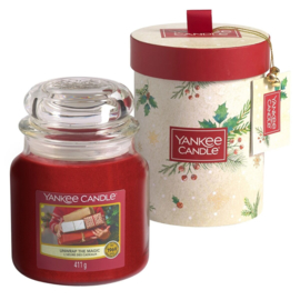 "Giftbox + 1 medium jar, ""Christmas Morning"" Yankee Candles"