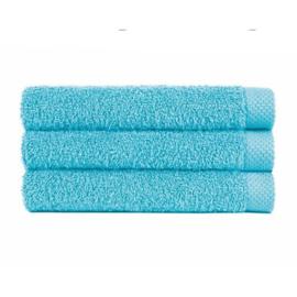 Handdoek licht blauw oceano (50 x 100) + 1 naam geborduurd