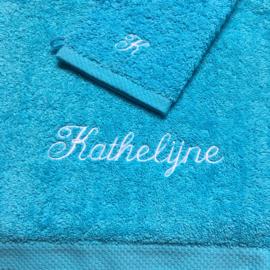 Washandje turquoise + 1 letter geborduurd