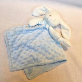Knuffeldoekje,licht blauw, konijn + 1 naam geborduurd