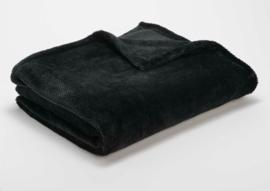 """Fleecedeken """"Calin"""" 130 x 170 zwart + 1 naam geborduurd"""