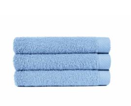 Handdoek Cielo, baby blauw (50 x 100) + 1 naam geborduurd