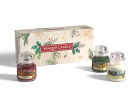 """Giftbox , 3 jars smal, """"Christmas Morning"""" Yankee Candles"""