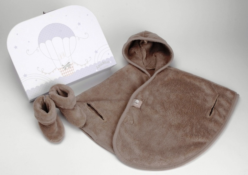 Baby Poncho (taupe) + slippers + box