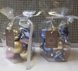 Kerstballen  geschenk in kadoverpakking