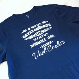 T-shirt getatoeëerde opa