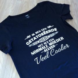 T-shirt getatoeëerde moeder