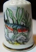 Vingerhoed - 019 - porselein - vis - Thimble - bone china - fish