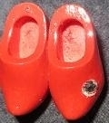 Klompen broche rood, met steentje - Wooden shoes brooche red with sparkle