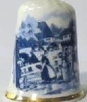 Thimble - 104 - bone china - farmers wife  - Delft blue