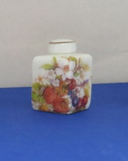 Miniature square Vase with top - 11