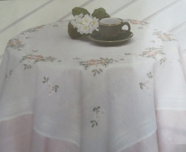 Dekservet met witte en roze bloemen - wit - Small tablecloth with pink and white flowers - white