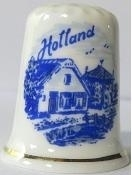 Thimble - 096 - bone china - farm house  - Delft blue