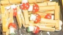 Clothes-pegs mini tote stools