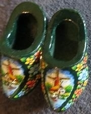 Wooden shoes brooche with windmill - dark green