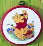Disney - Pooh - Honing Eten - Eating Honey aida