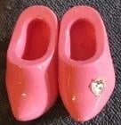 Klompen broche roze, met steentje - Wooden shoes brooche pink with sparkle