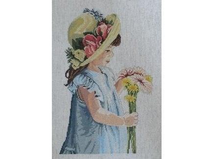 Meisje met bloemen op hoed - geborduurd - Girl with the Flowered Hat - finished
