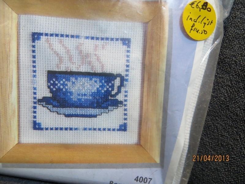 Delfts Blauwe kop en schotel - Delft Blue Cup and Soucer aida