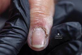 25 april  2021 e manicure o.l.v. Olesya