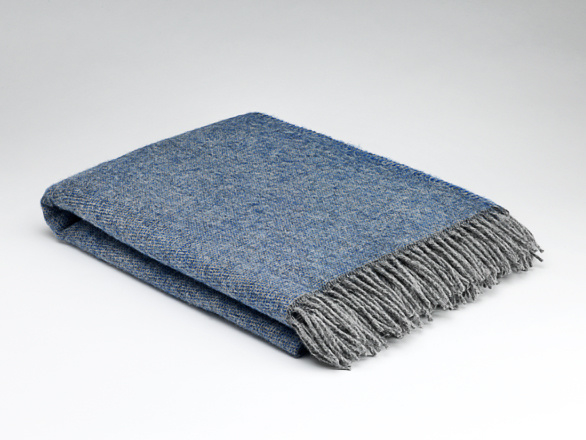 Mc Nutt plaid 100% pure wool Cosy Periwinkle