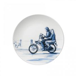 Wandbord Op de brommer | Heinen Delfts Blauw - Retro Collectie