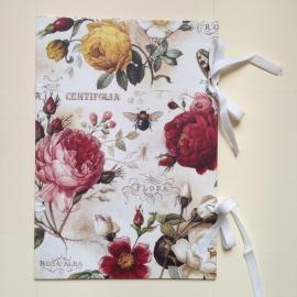 Handgemaakte bewaarmap met vintage rozen design
