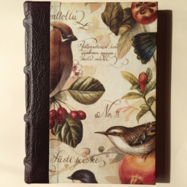 UITVERKOCHT: Handgemaakte agenda met donkerbruine bruine leren kaft en `antieke` vogel tekeningen