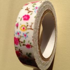 Textiel tape met bloemen.