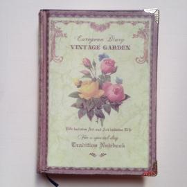 Romantisch notitieboekje met vele verschillende prachtig versierde pagina`s